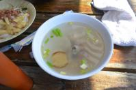 萬巒豬腳里港餛飩の鮮魚湯130207