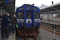 基隆車站に到着したEMU400系130214