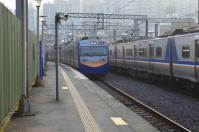 EMU700区間車基隆入線130214