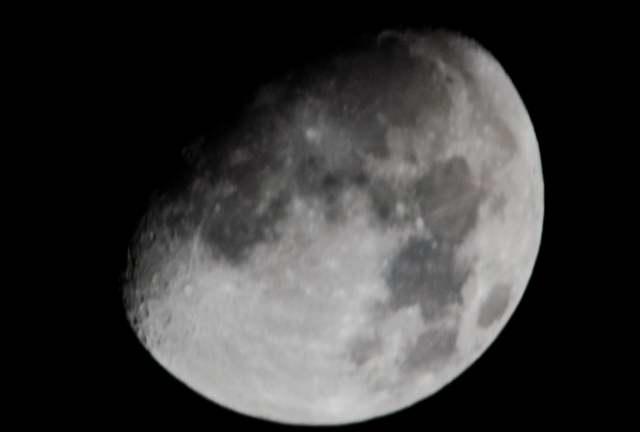 moon0001_1.JPG