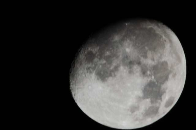 moon0001_2.JPG