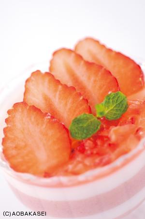 苺ボーダープリン