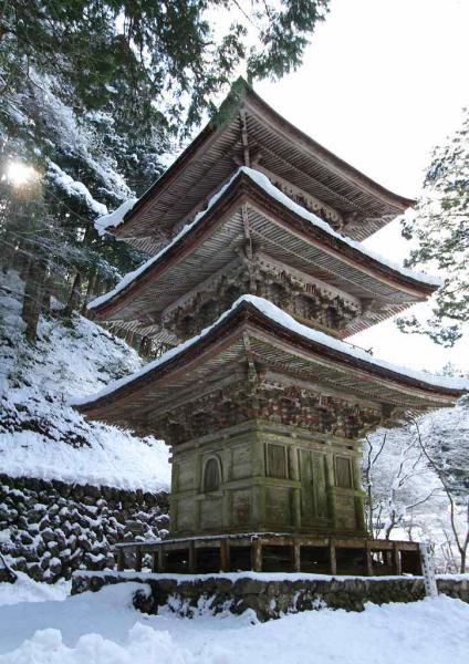 横蔵寺 三重塔