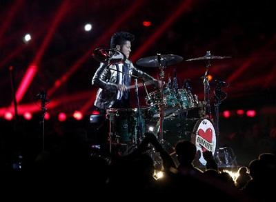 Bruno_Mars_Super_Bowl_01