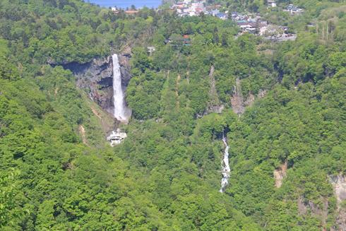 華厳の滝と男体山-4