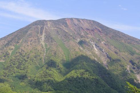 華厳の滝と男体山-6