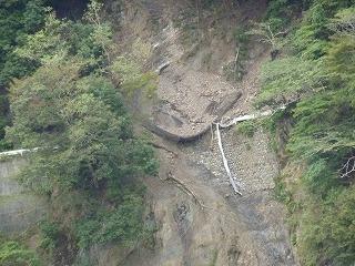 十数ヵ所に及ぶ土砂崩れ