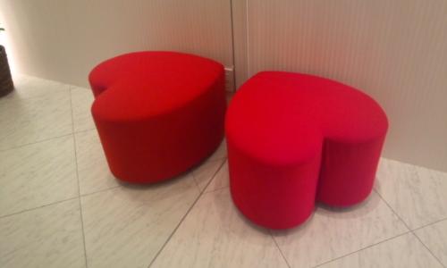 ♪真っ赤なハートソファー♪