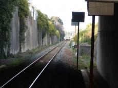 列車のある所に香椎神宮駅が