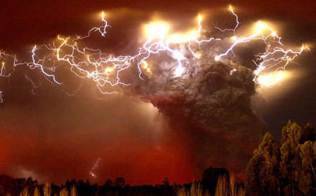 世界の絶景10(チリのコルドンの火山)image
