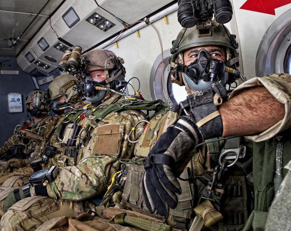 兵士の装備(ネイビーシールズ)image
