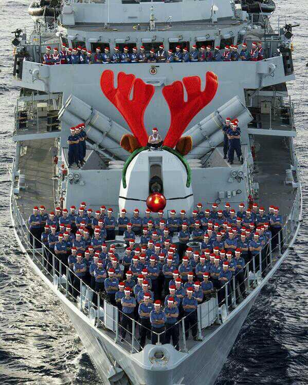 進撃のイギリス海軍(サンタ編)image
