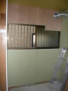 鈴木 キッチン 壁貼り後