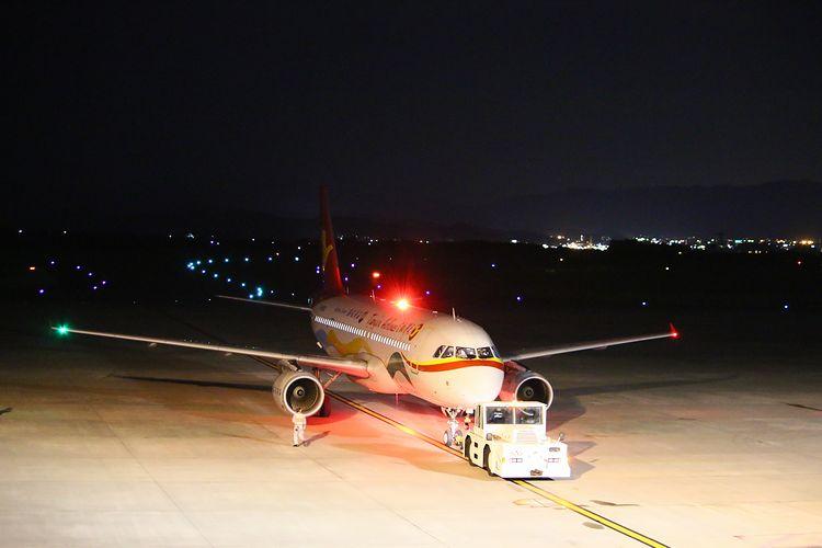 1409静岡空港② (122)FC2