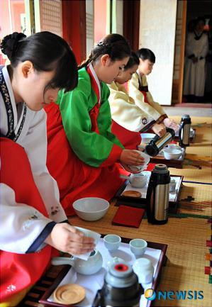 koreaI20100509_0002716691_web.jpg