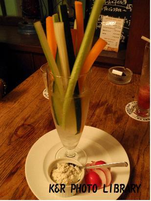 6月14日彩り豊かなスティック野菜のフロマージュブラン