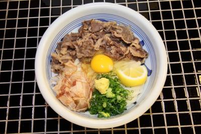 肉ぶっかけ(玉子入り)1
