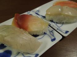 お寿司を乗せてみた