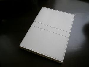 「白革・・・の手帳」