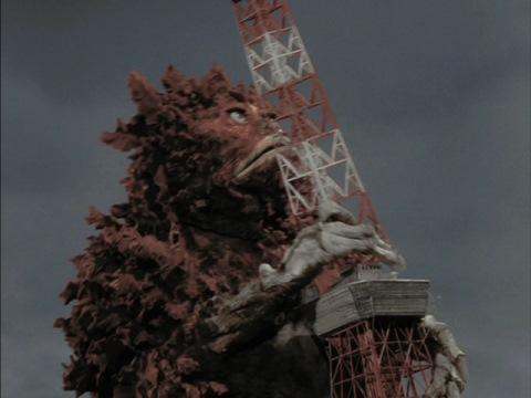 東京タワーを破壊するガラモン