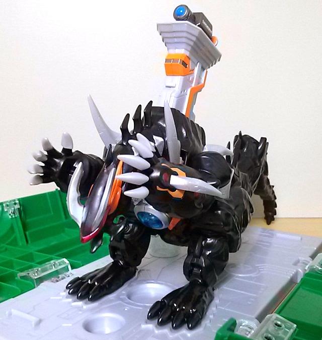 ウルトラ怪獣DX 超変形!DXビクトルギエル4