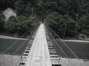 谷瀬以外にもこんな吊橋もある_convert_20120223061814