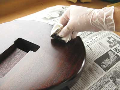 拭き漆ギター