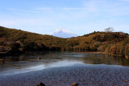 富士山と氷ヶ池2