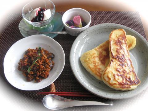 お昼ごはんナンカレー131