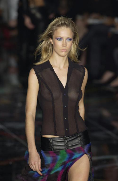 Raquel Zimmermann-Versace Spr 02 912x1400