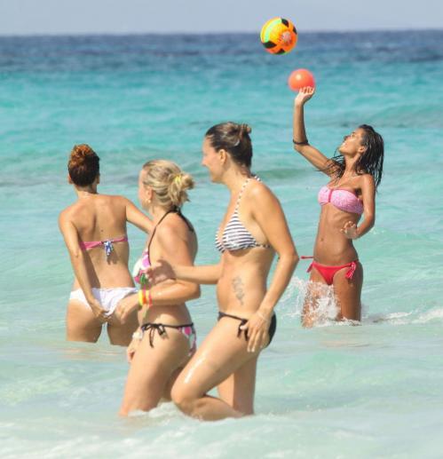 Federica Nargi - bikini candids in Formentera018