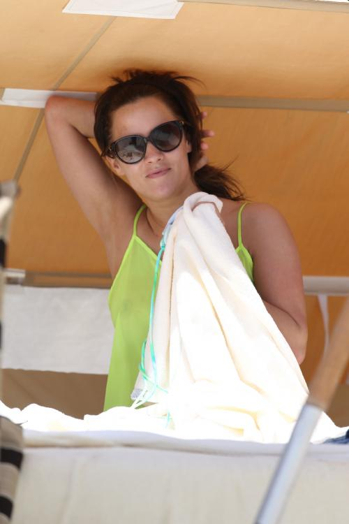 Caroline Flack at the beach in Miami 012