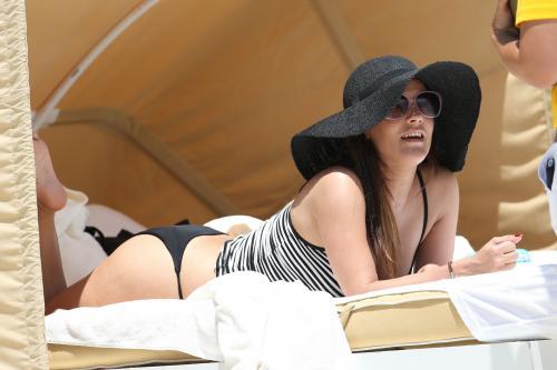 Caroline Flack In Miami002