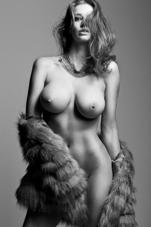 Emily Shaw @ Samantha Bond