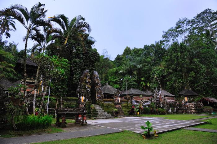 110917_Sebatu寺院(全体)