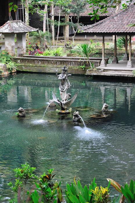 110917_Sebatu寺院(水がキレイ)
