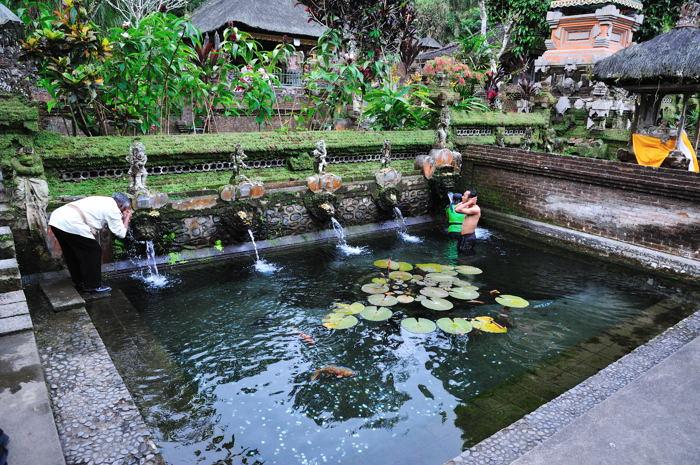 110917_Sebatu寺院(沐浴場1)