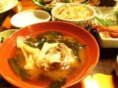 旅館つつ井夕食鯛あら味噌汁とたこ飯