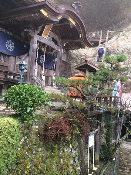 岩屋寺の梯子