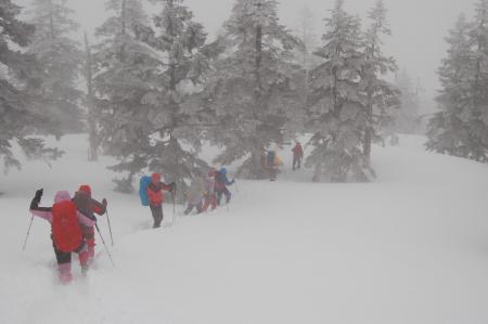 15下山路の積雪