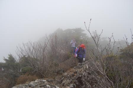 56赤薙山へ