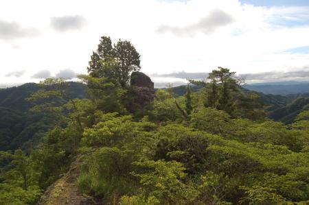11上山ハイキングコース・一枚岩