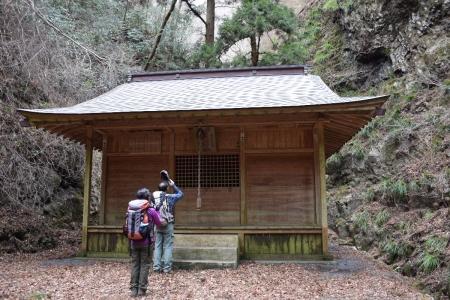 15男体神社