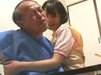 おじいちゃん…激カワすぎる介護士、衝撃の結末