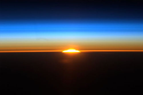 ISSから見る南半球の日の出