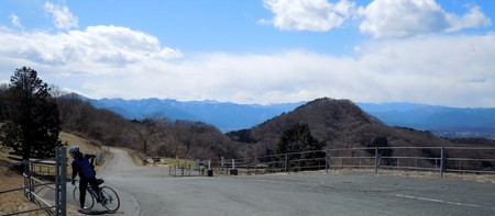 景色が良いけど風が強くて寒かった粥仁田