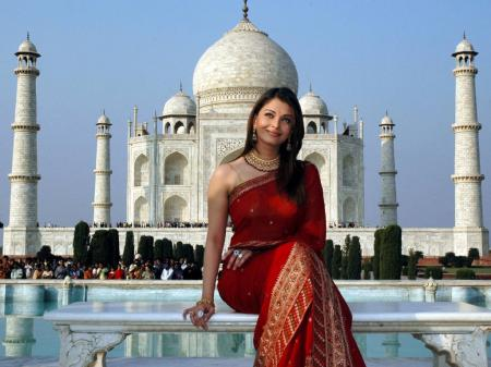 Aishwarya-Rai-2006_convert_20111127155458.jpg