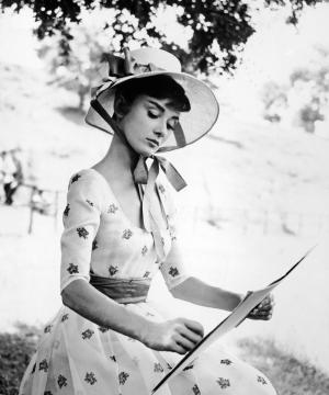 Audrey-Hepburn-14_convert_20111120143023.jpg