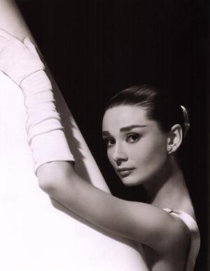 Audrey-Hepburn-23_convert_20111120142715.jpg