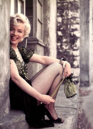 Marilyn-Monroe-marilyn-monroe-23439147-500-697_convert_20111022174451.jpg